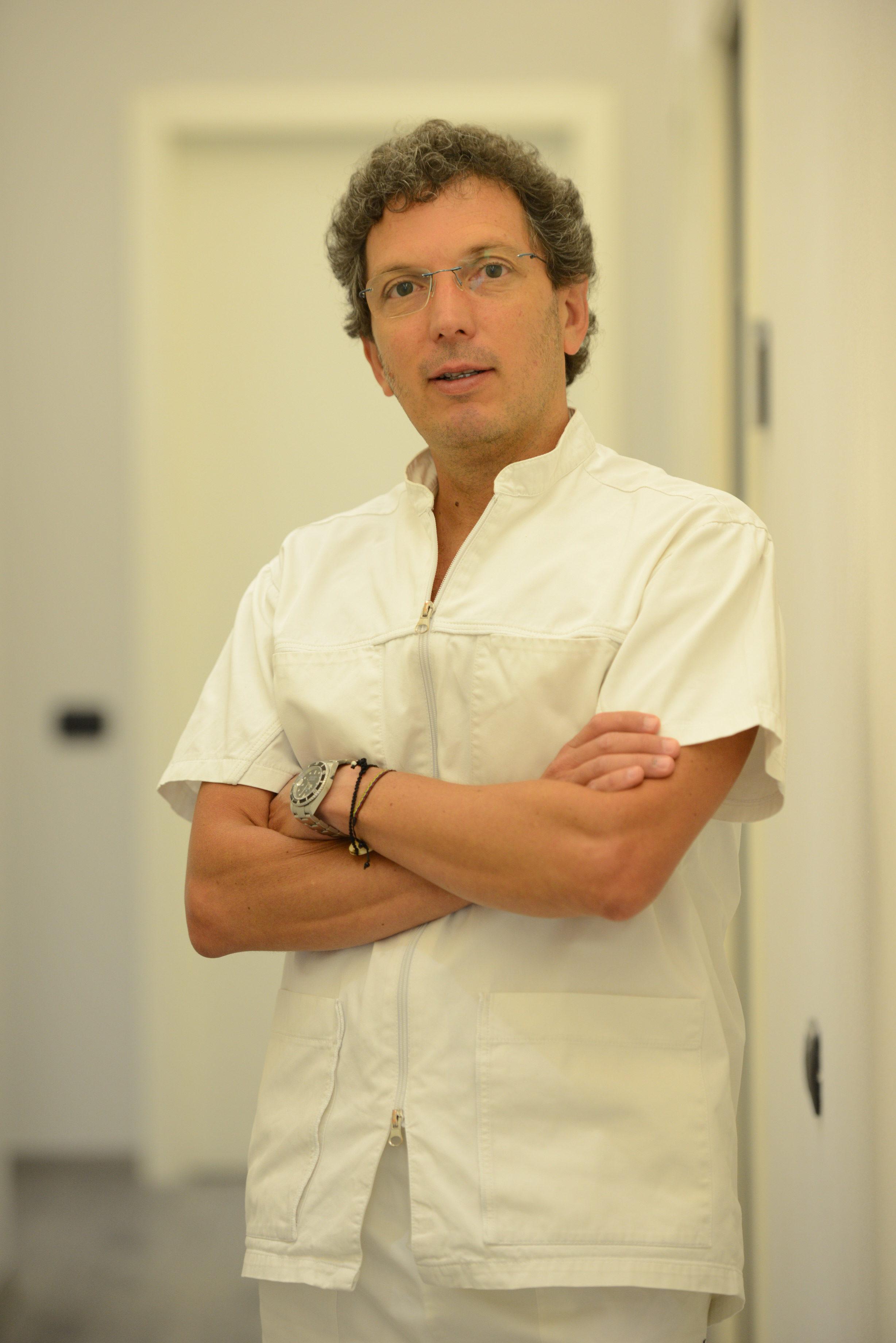 Dott. Santiago Isaza Penco